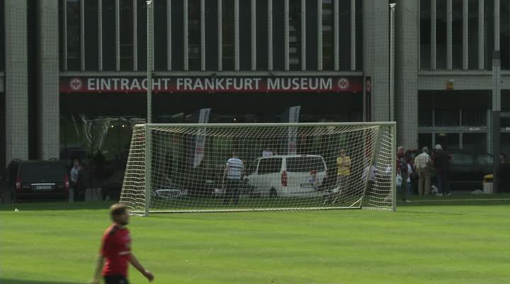 Eintracht Frankfurt vor dem Dery gegenMainz 05