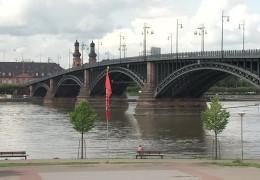 Theodor-Heuss-Brücke – mit Behinderungen darf gerechnet werden