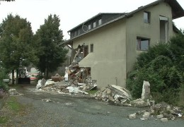 Haus explodiert in Usingen