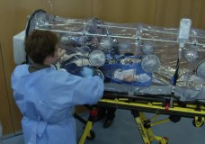 Bundeswehrkrankenhaus testet mobile Ebola-Isolierstation