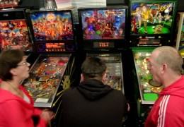 Spaß beim Flippern – Besuch im Spieleautomatenmuseum in Seligenstadt!