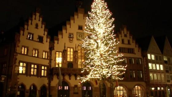 Weihnachtsbaum Frankfurt.Der Höchste Weihnachtsbaum Deutschlands Steht In Frankfurt 17