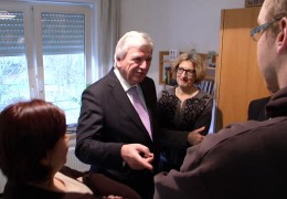 Ministerpräsident Volker Bouffier besucht Diakonie in Aßlar