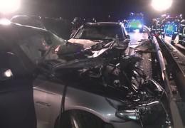 Geisterfahrerin verursacht schweren Unfall