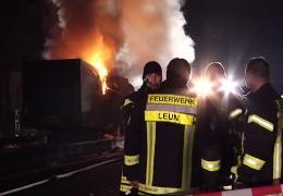 Gefahrguttransporter geht in Flammen auf