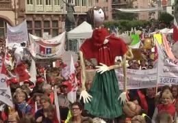 15.000 Erzieher demonstrieren in Frankfurt