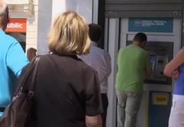 Griechenlandkrise ganz nah: Börse kracht, Touristen fliegen
