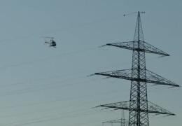 Im Helikopter: Kontrolle der Stromtrassen