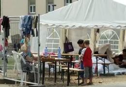 Überfüllte Aufnahmeeinrichtung für Flüchtlinge