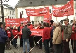 Stummer Protest gegen Bahnlärm