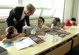 """Barfußschule"" für Flüchtlingskinder"