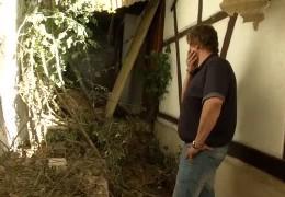 Erdrutsch bedroht Haus