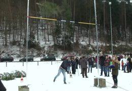 Weltmeisterschaft im Weihnachtsbaumwerfen