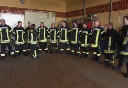 Feuerwehr-Chefin sagt den Bärten den Kampf an