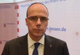 Fragen an Hessens Innenminister Peter Beuth
