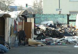 Streit um illegales Obdachlosen-Lager