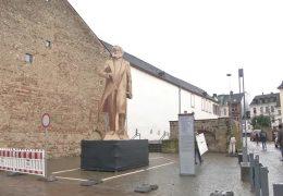 Karl Marx-Denkmal zur Probe