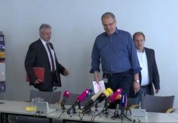Opel Betriebsrat informiert Mitarbeiter