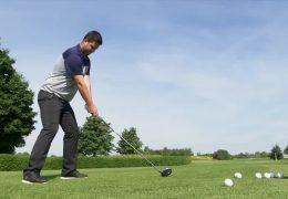 Max Schmitt golft sich an die Spitze
