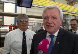 Volker Bouffier besucht Rolls-Royce