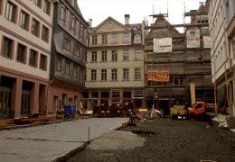 Frankfurter Oberbürgermeister zeigt neue Altstadt