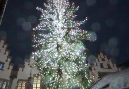 Auf dem Frankfurter Weihnachtsmarkt gehen die Lichter an