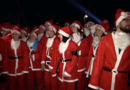 """Santa Run"" in Mainhattan"