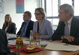 Ministerin Hubig stellt Schulstatistik vor
