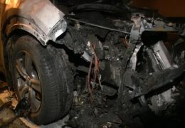 Wieder brennende Autos in Frankfurt