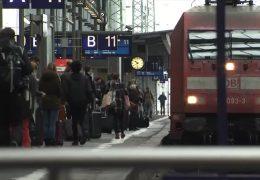 Mit dem Bus oder der Bahn in den Weihnachtsurlaub!