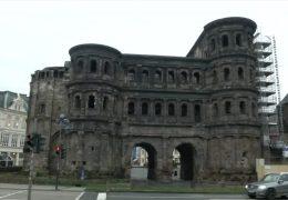 Wie alt ist die Porta Nigra ?