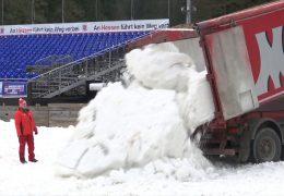 Schnee für den Weltcup in Willingen