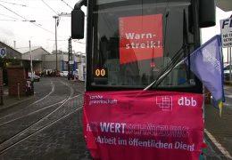 Streik und Tunnelsperrung ärgern Pendler