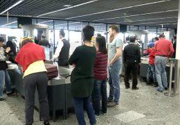 Lange Wartezeiten am Frankfurter Flughafen