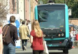 Selbstfahrender Bus im Testbetrieb
