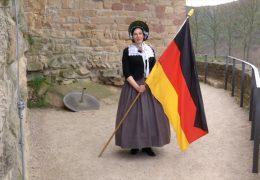 """""""Geschichte im Südwesten"""": Besuch im Hambacher Schloss"""