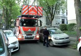 Zugeparkte Straßen behindern Einsatzkräfte