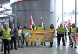 Protest gegen Arbeitsbedingungen am Frankfurter Flughafen