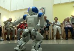Retten Roboter die Pflege?