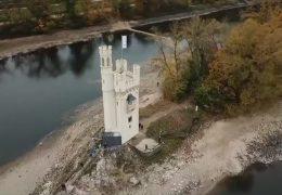 Zu Fuß zum Mäuseturm im Rhein