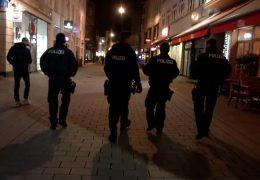 Wiesbaden: Polizei kontrolliert Waffenverbot