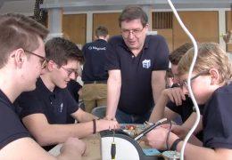 Mayener Schüler bauen Satellit