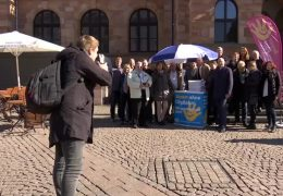 Unterschriften gegen geplante City-Bahn
