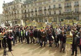 Taxifahrer protestieren gegen Uber-Fahrdienst