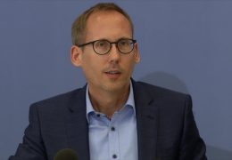 Sozialminister Klose zieht 100 Tage-Bilanz
