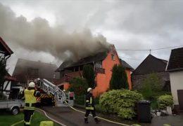 Feuer zerstört Haus in Nomborn