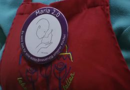 """Maria 2.0"" Kirchfrauen protestieren gegen Diskriminierung"