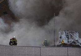 Feuer in der Mainzer Rheingoldhalle