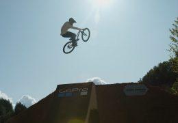 Weltelite der Mountainbiker trifft sich im Steinbruch