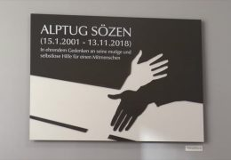 Gedenktafel für Alptug Sözen